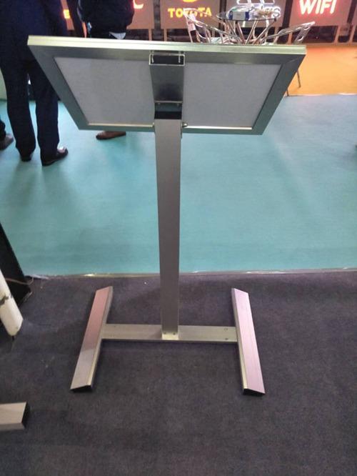 铝型材框架背面